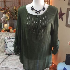 Dressbarn Tunic in an Olive Green